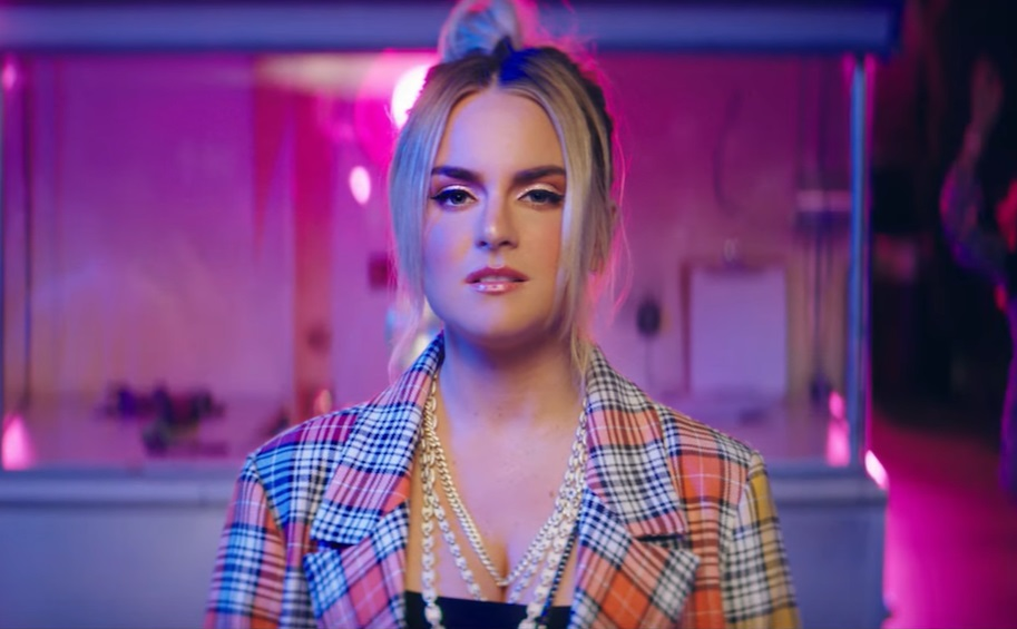 JoJo lança clipe para seu novo single Joanna