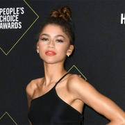 Confira os looks do tapete vermelho do People's Choice Awards 2019!