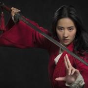 Mulan se torna uma guerreira em novo trailer do live-action da Disney